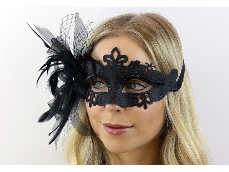 Venetian Black Feather Mask 1